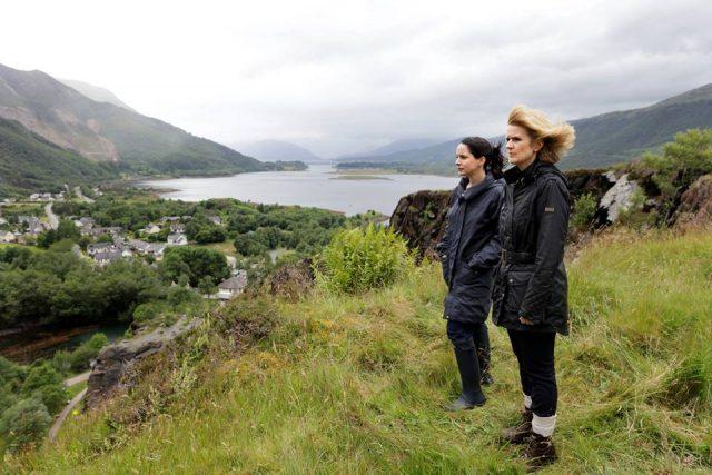 Loch Ness, com uma fotografia espetacular, nos entrega atuações vívidas e corretas neste thriller de mistério e mortes.  Foto Divulgação / APUSM